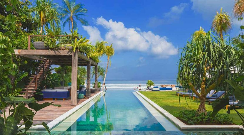 Noku Beach House - Stunning Beachfront Villa in Seminyak