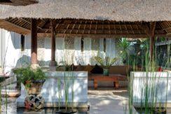 15.-Villa-Batujimbar---Water-garden-bale-in-front-of-the-Longhouse-pavilion