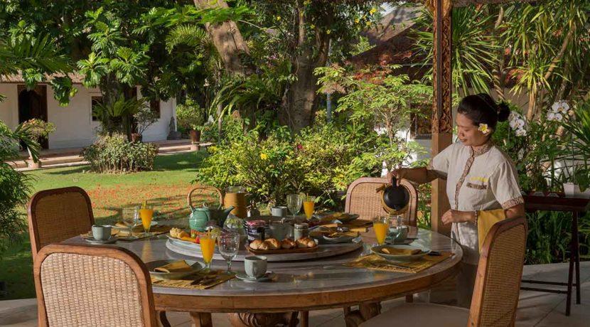 24.-Villa-Batujimbar---Alfresco-dining