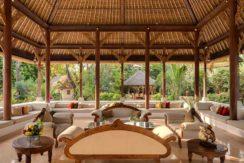 4.-Villa-Batujimbar---Living-bale