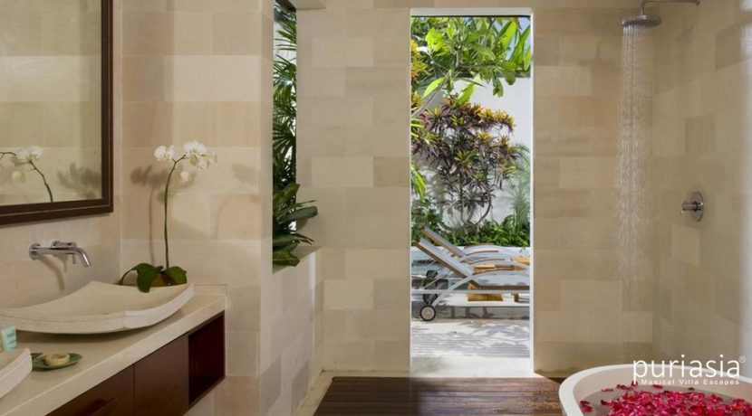 Villa Arjuna  - Bathroom
