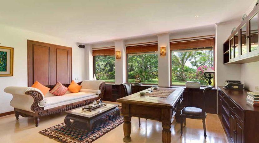 5.-Villa-Batujimbar---Study