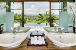 The Longhouse Villa - Bathroom