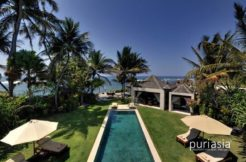 Villa Maya - Four Bedrooms Villa Absolute Beachfront