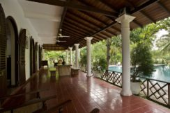 Ocean's Edge Villa - Pool and back of house veranda