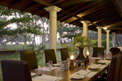 Ocean's Edge Villa - Front veranda dining