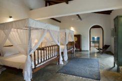 Ocean's Edge Villa - Twin bedroom