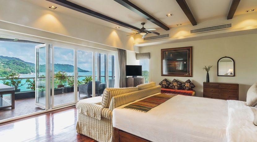 Villa Amanzi - Master bedroom one
