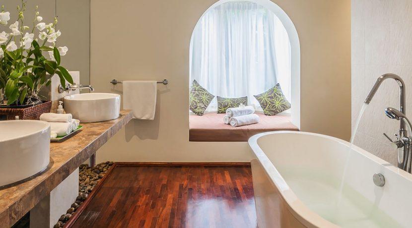 Villa Amanzi - Master bedroom two ensuite
