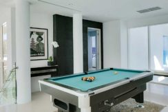 6.-Grand-Cliff-Front-Residence---Billiard-table
