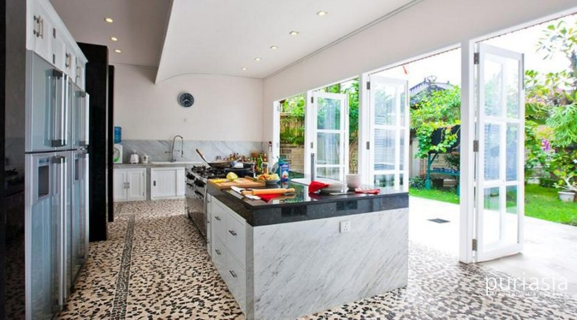 Puri Nirwana - Kitchen