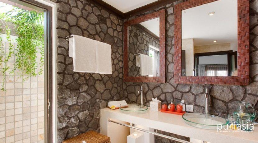 Villa Cempaka - Bathroom