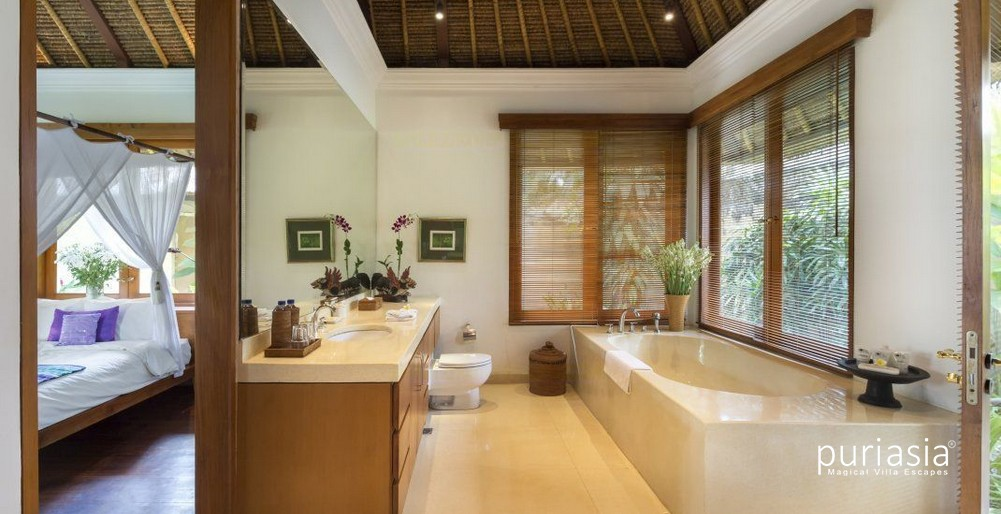 ... Villa Arika   Bathroom ...