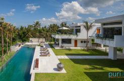 Villa Palm House - Luxury 5 Bedroom Villa in Canggu