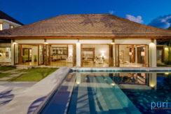 Casa Evaliza - Pool and Villa at Night