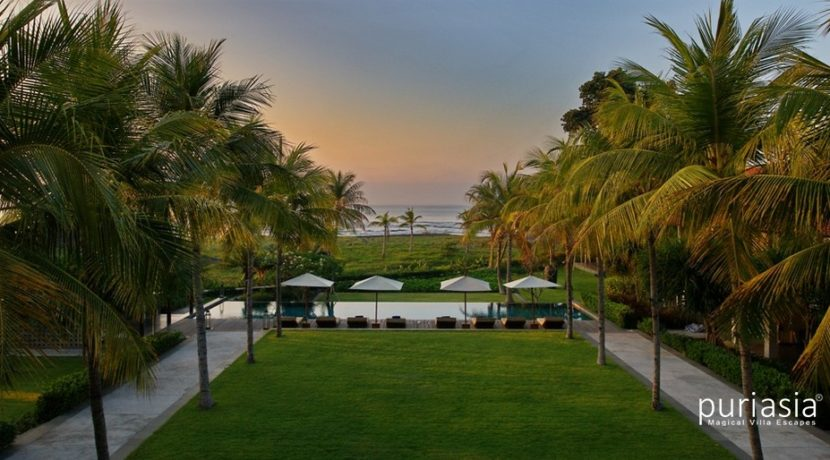 Jeeva Saba Villa - Beachfront Villa