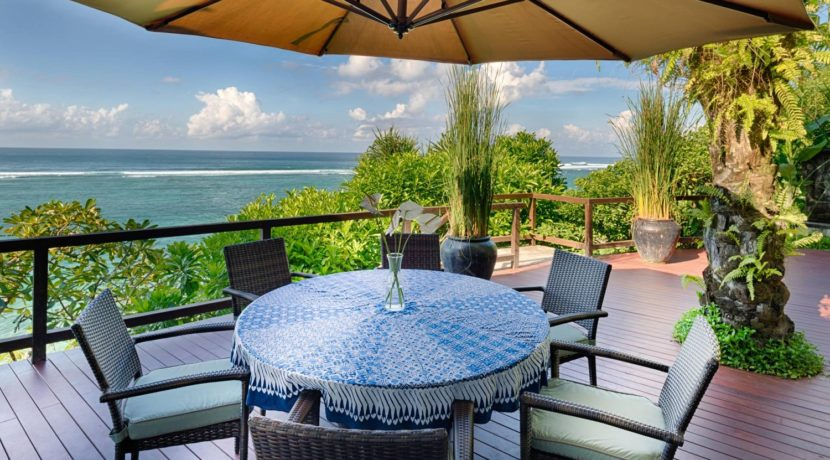 Villa Bidadari Cliffside Estate - Alfreshco Dining