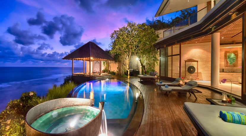 Villa Bidadari Cliffside Estate - Ocean View Villa in Nusa Dua