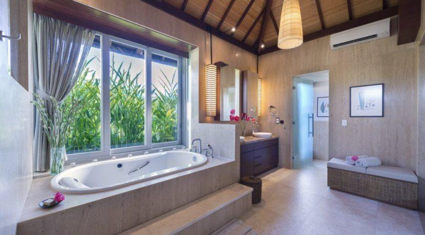 Villa The Luxe Bali - Bathroom