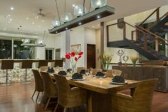 Villa The Luxe Bali - Dining and Kitchen