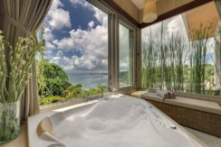 Villa The Luxe Bali - Jacuzzy