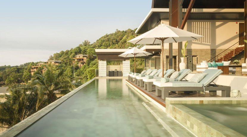Villa Samira - Poolside lounging