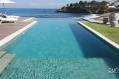 Driftwood Villa - Pool and View