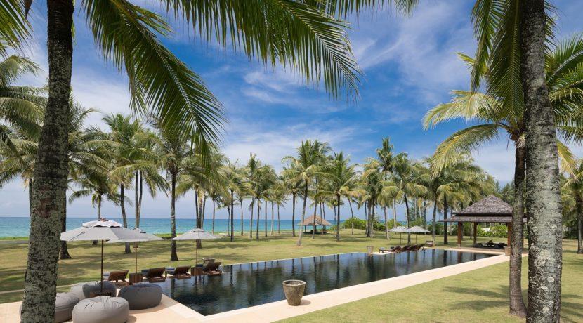 Villa Ananda - Luxury Beachfront Villa in Phuket