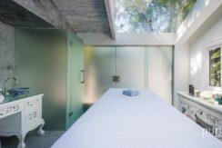 Morabito Art Villa - King Suite Bridal Room