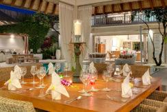 5.-Jajaliluna---dining-room-at-night