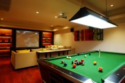 Villa Jia - Pool table at entertainment room