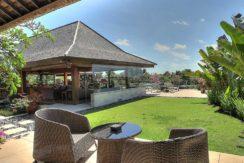 12-Indah-Manis---Kemboja-terrace-seating