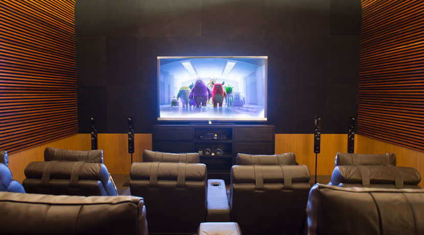 13.-Villa-Bayu-Gita-Beachfront---Cinema-room
