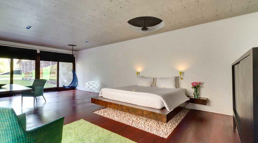 17.-Villa-Sapi---Master-bedroom