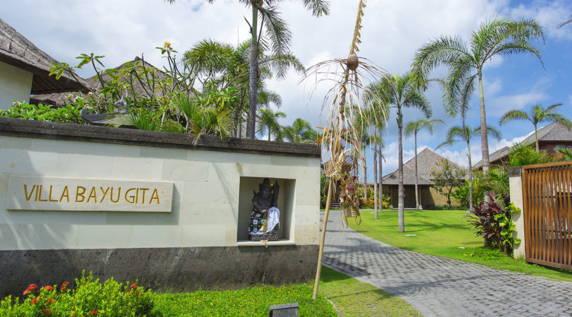 25. Villa Bayu Gita Beachfront - Entrance