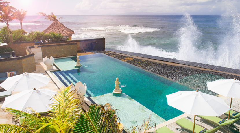 28. Villa Bayu Gita - Beachfront - Pool and ocean
