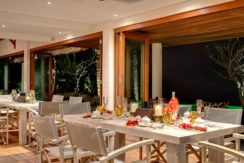 Voyage---Dining-room-at-night