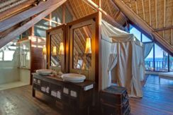 Voyage---Right-side-mezzanine-ocean-suite-bathroom