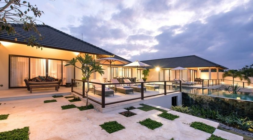 Villa Bale Agung - Villa at Night