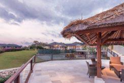 Villa Bale Agung - Poolside Bale