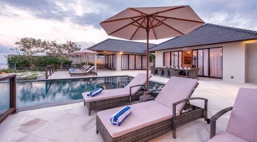 Villa Bale Agung - Sunloungers