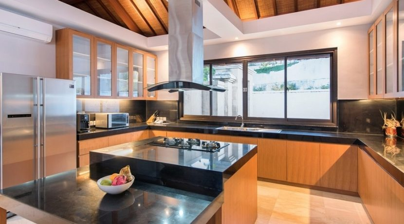 Villa Bale Agung - Kitchen
