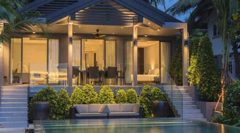 Infinity Blue Phuket - Villa ambiance at dusk
