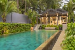 Infinity Blue Phuket - Villa and the pool