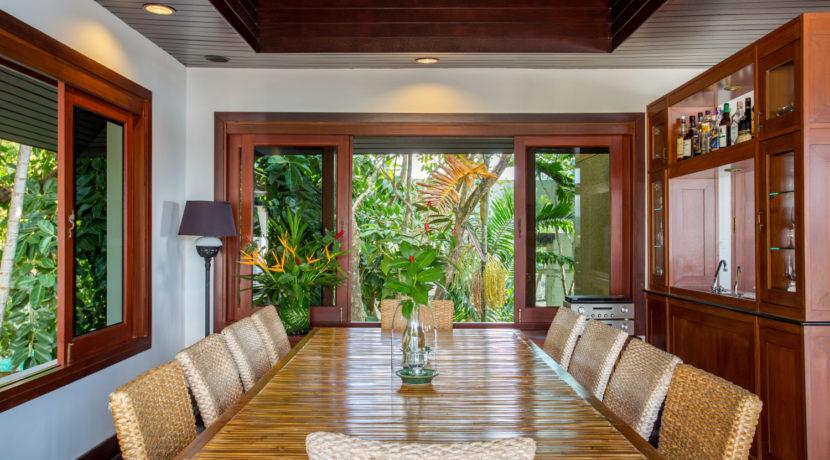 Villa Baan Hen - Dining Room