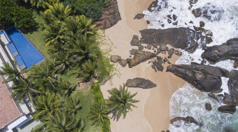 The Sandals Villa - Beachfront Villa in Sri Lanka