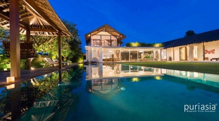 Villa Kavya - Pool at Night