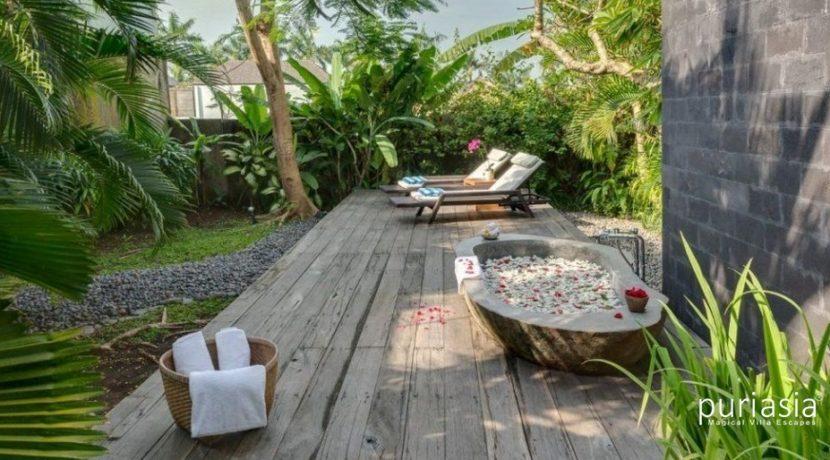 Villa Kavya - Bathroom of Ground level master Suite
