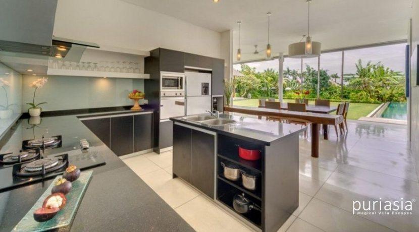 Villa Kavya - Fully Equipped Kitchen