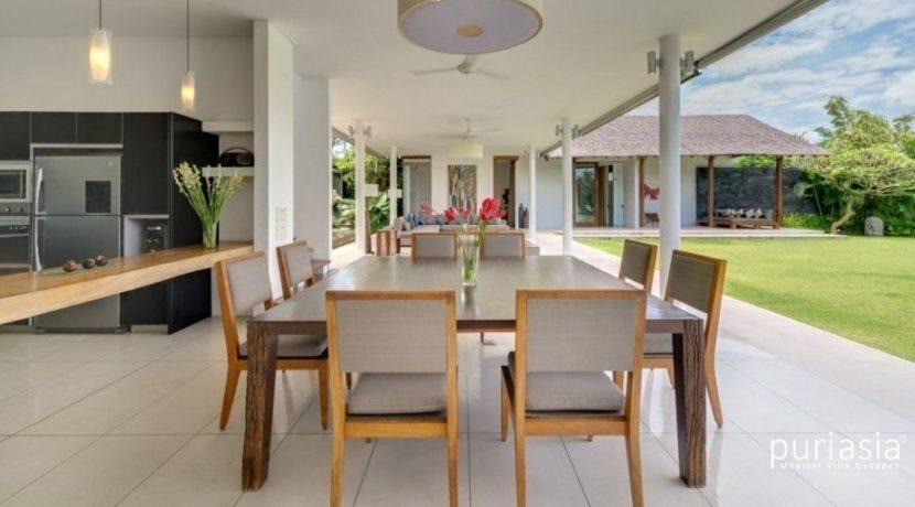 Villa Kavya - Dining and Kitchen